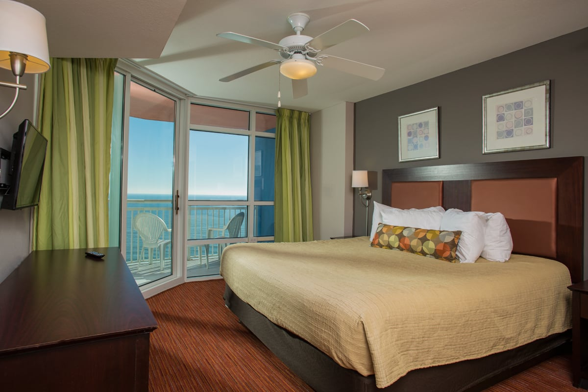 Gallery oceanfront-bedroom1.jpg